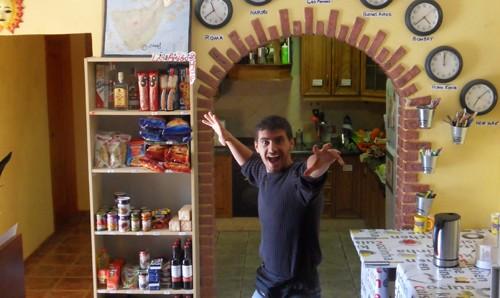 Călătoreşte cu buget redus: aproape totul despre voluntariatul în hostel