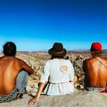 Cum să-ți faci prieteni când călătorești sau te muți în altă țară
